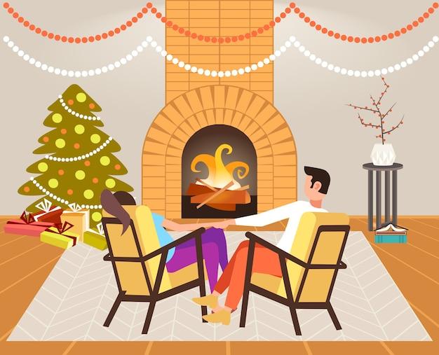 벽난로 근처에 앉아 커플 크리스마스 새 해 휴일 축 하 개념 남자 여자 크리스마스 저녁에 편안한 손을 잡고 현대 거실 인테리어 후면보기 그림