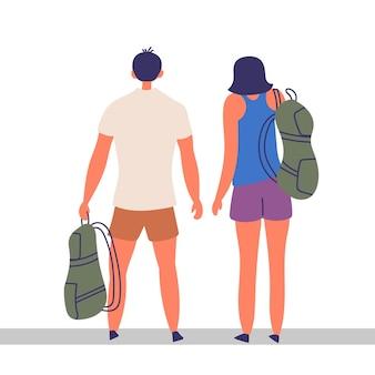 Пара туристов проводят время вместе