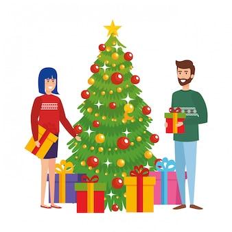 Пара с елкой и подарками