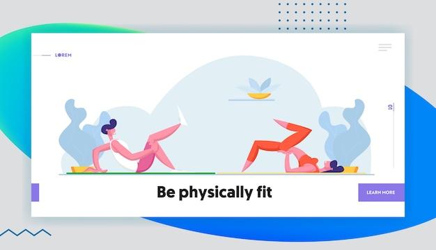 Пара тренировки вместе в тренажерном зале здорового образа жизни