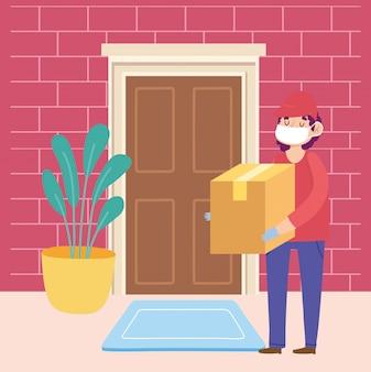 Безопасная доставка на дом во время коронавируса covid-19, курьер мужчина несет картонную коробку в дверь домой