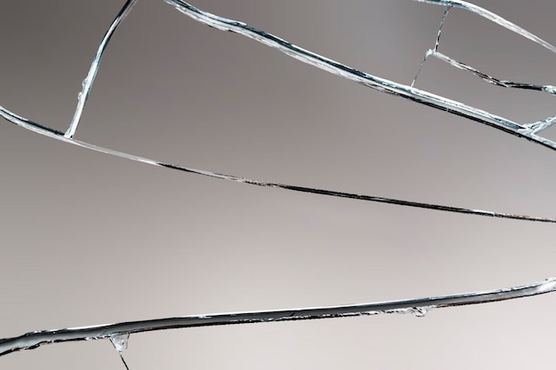 Треснувшее зеркало фон вектор разбитое стекло
