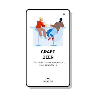 バーカウンターベクトルで男性を飲むクラフトビール。おいしいクラフトビール醸造アルコールラガー飲料友達と一緒に飲む。居酒屋フラット漫画イラストで男の子を味わうキャラクター