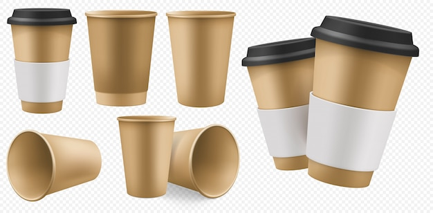 クラフトカップ紙。段ボールホルダーとプラスチックの蓋付きの空白の茶色のコーヒーカップテンプレート。透明な背景に分離された温かい飲み物のテイクアウトクラフトパックセット。使い捨てテイクアウトカフェパッケージ