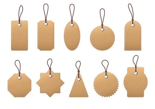 Ценник из крафт-бумаги. пустые этикетки для покупок с веревкой, старинные бумажные коричневые бирки для маркировки цен, реалистичные векторные макеты висячих тегов. подарочные коробки круглые, овальные, прямоугольные и треугольные бирки