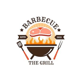 Modello di logo barbecue creativo con dettagli