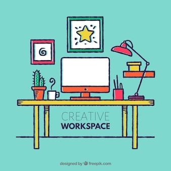 Творческое рабочее пространство с ручным рисунком