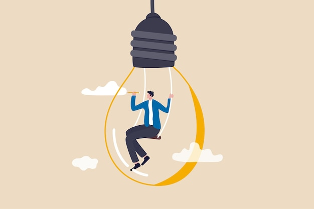 콘텐츠를 만들기 위한 창의력과 상상력, 새로운 아이디어에 대한 작가 또는 창작자 영감, 생각 및 브레인스토밍 개념, 동기 부여된 남자는 연필 그리기 구름을 사용하여 전구 아이디어 내부에 앉아 있습니다.
