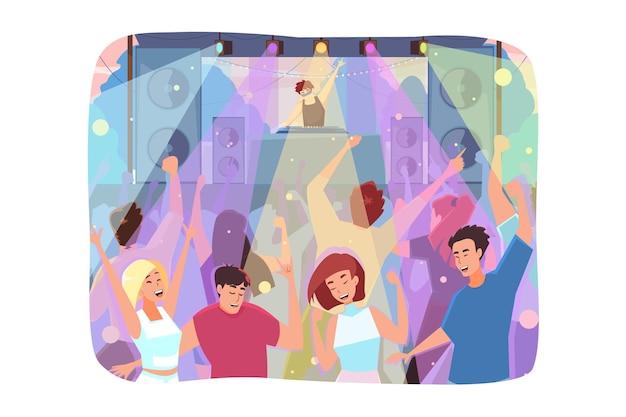 野外コンサートで楽しんでいる幸せな若い男性と女性のキャラクターの群衆