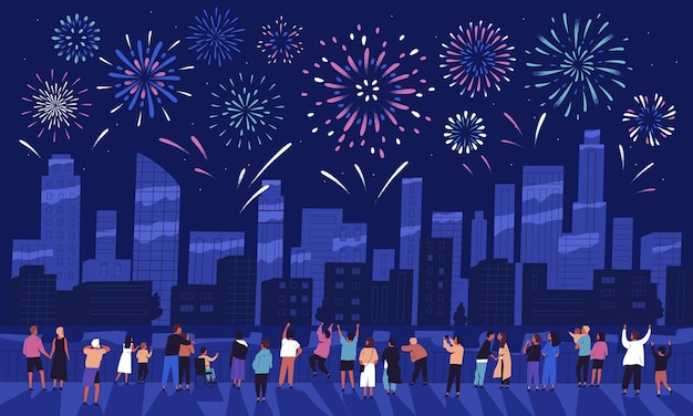 어두운 저녁 하늘에 표시되는 불꽃 놀이를보고 도시 건물에 대한 휴가를 축하하는 사람들의 군중