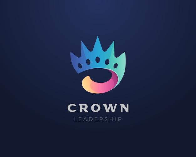 王冠のロゴ。カラフルな抽象的な王冠のロゴのアイコン