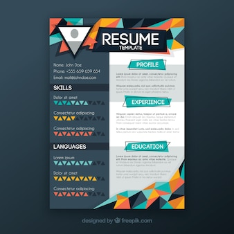 Curriculum template with multicolor geometric shapes