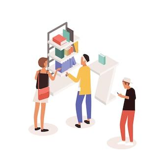 상업 판촉 스탠드 또는 책이 있는 선반 근처에 서서 컨설턴트와 이야기하는 고객. 문학 박람회, 전시회 또는 시장에 있는 사람들. 다채로운 아이소메트릭 벡터 일러스트 레이 션.