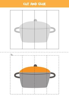 調理鍋で子供のためのカットアンドグルーゲーム。未就学児のための切断の練習。