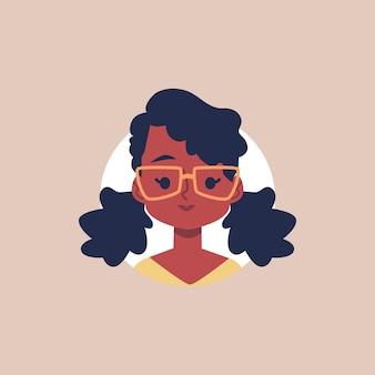 サークルフレーム内のメガネフラットアバターの肖像画とかわいいアフリカの女の子