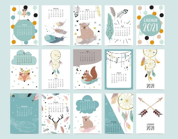 Милый календарь животных с медведем, пером, ловцом снов для детей, малыша, малыша.