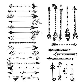 かわいい矢印、手描きのおしゃれなセット。種族、民族、ヒップスター、矢、スケッチ、デザイン、スケッチ Premiumベクター