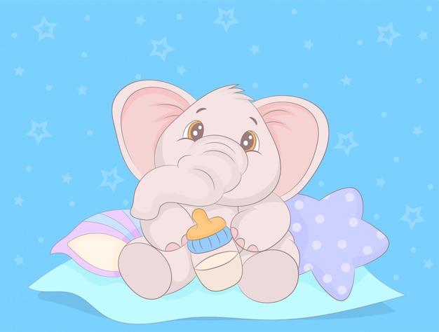 Милый слоненок пьет молоко