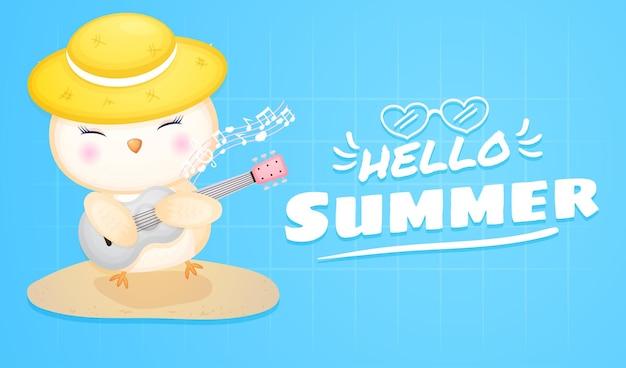 여름 인사말 배너와 기타를 연주하는 귀여운 아기 올빼미