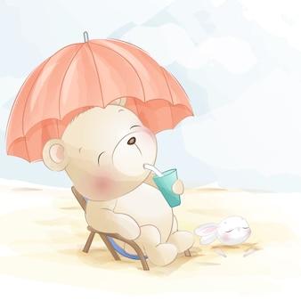 Милый медведь на пляже маленький зайчик