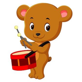 Милый медведь барабан