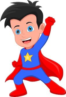 スーパーヒーローの衣装を着ているかわいい男の子