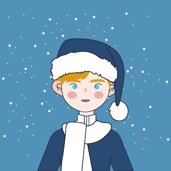 Милый мальчик носить свитер и шляпу санта в рождество зимой.