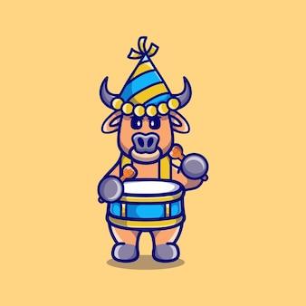 Милый буйвол празднует новый год, играя на барабанах
