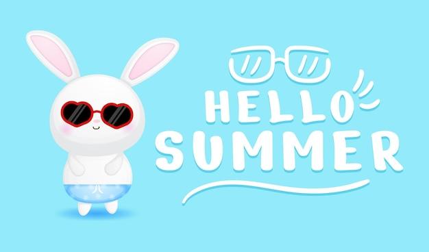 Милый кролик мальчик с летним поздравительным баннером