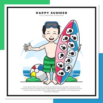 소년의 귀여운 만화 캐릭터는 행복한 여름 인사와 함께 해변에서 서핑 보드를 들고있다
