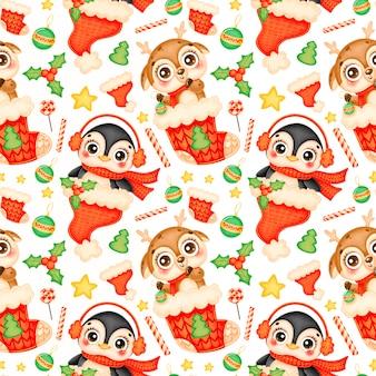 かわいい漫画のクリスマスの動物のシームレスなパターン。クリスマスの鹿とペンギンのパターン。