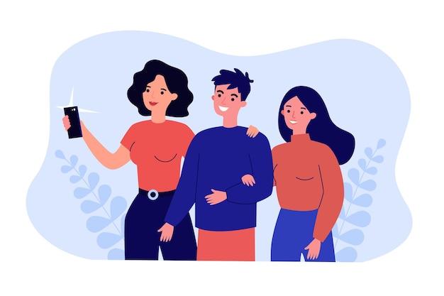 엄마와 전화로 셀카를 찍는 귀여운 만화 커플. 남자친구, 여자친구, 여자가 함께 사진을 찍는 평평한 벡터 삽화. 가족, 웹사이트 디자인 또는 방문 페이지를 위한 기술 개념