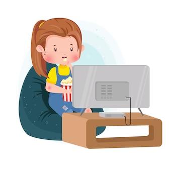 かわいいキャラクターが家でテレビを見てポップコーンを食べる