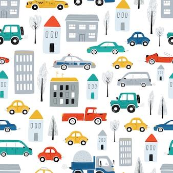 車、道路、住宅とかわいい子供たちのシームレスなパターン。漫画のスタイルの町のイラスト。ベクター