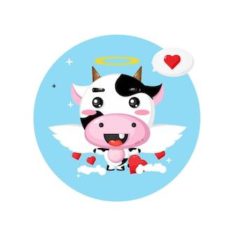 空を飛んでいるかわいい牛の天使