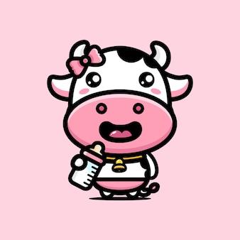 かわいい牛は新鮮な牛乳を楽しんでいます