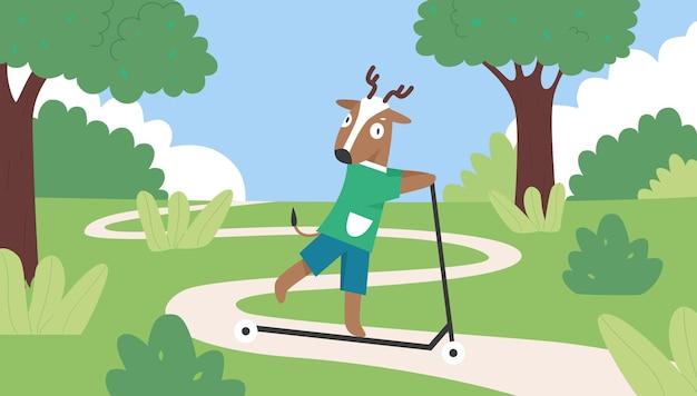 Симпатичный олень за рулем самоката в летнем зеленом парке, олень в рубашке и шортах