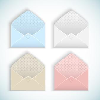 かわいいデザインの空のバレンタインデーは、白で隔離のパステルカラーの封筒を開きました