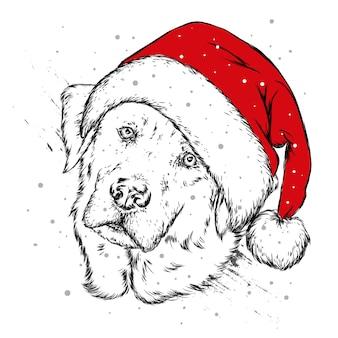 Милая собака в шляпе санты. новый год и рождество.