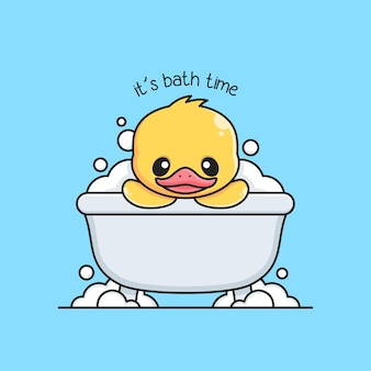 Милая утка принимает ванну в ванне