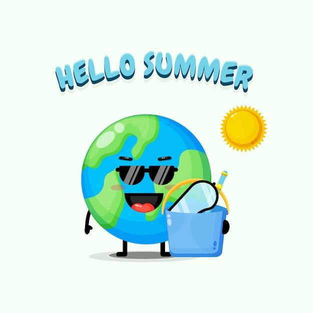 여름 인사와 함께 양동이 들고 귀여운 지구 마스코트