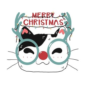 Симпатичное смешное лицо кошки в очках с оленями с рождественскими надписями и праздничным светом