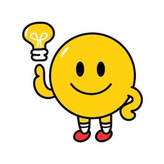Симпатичные смешные смайлики улыбающееся лицо с лампой идеи. вектор плоская линия каракули мультяшныйа каваи символ иллюстрации значок. изолированные на белом фоне. концепция символа круга желтых эмодзи