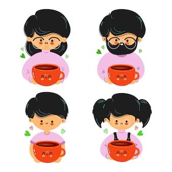 귀여운 재미있는 가족이 손에 딸기를 들고
