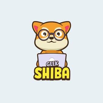 Симпатичный компьютерный логотип талисмана собаки шиба