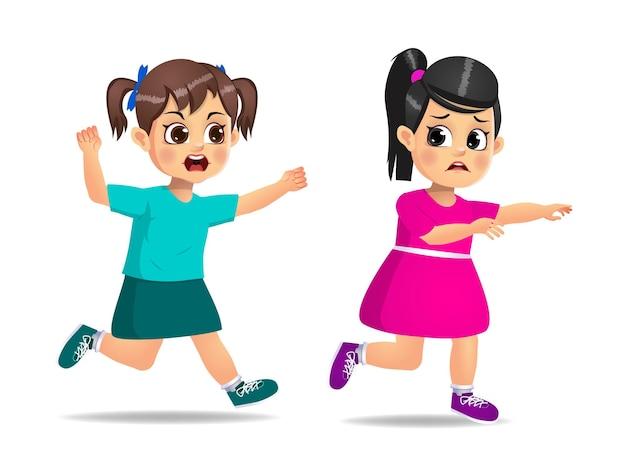 かわいい女の子は怒って怖がっている友達を追いかけます。孤立した