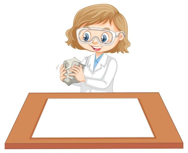 Милая девушка в униформе ученого с чистым листом бумаги на столе