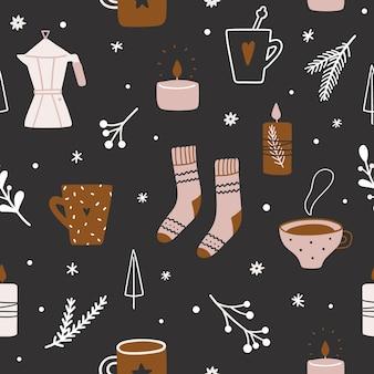 Симпатичные рисованной рождественский узор с чашками, еловыми ветками, веточками, свечами и носками. веселого рождества и счастливого нового года шаблон.