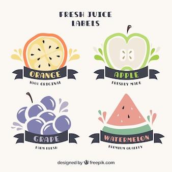 과일과 리본으로 귀여운 손으로 그린 주스 레이블