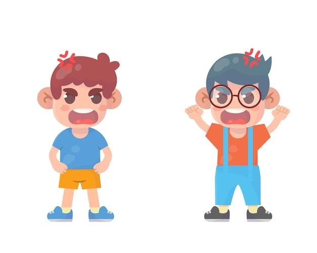 귀여운 꼬마 소년이 싸우고 서로 논쟁하다